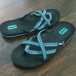 Teva olowahu  blue sandals size 7
